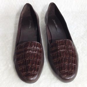 NWOT Saint John's Bay Leather Loafers